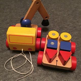 積木 IKEA  車のおもちゃ クレーン車