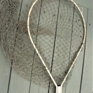 タモ網(釣った魚をキャッチ)