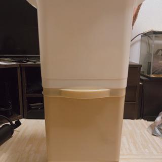 ゴミ箱 2段式 可動式(下部にローラー有)