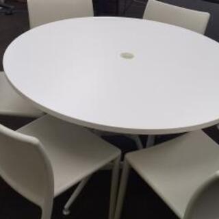 オフィステーブル&チェアセットの白!
