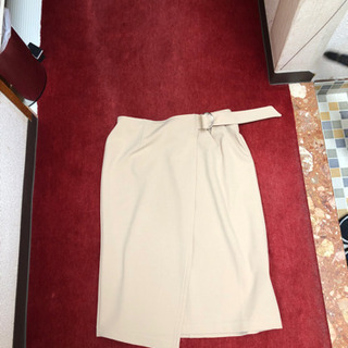 ラップ風スカートです。1度だけ着用 色はベージュ サイズM〜L ...
