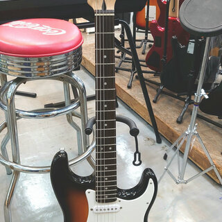 【Squier by FENDER】エレキギター販売中!