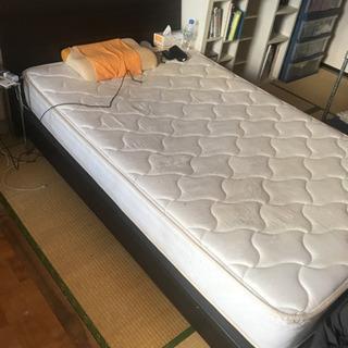 セミダブルベッド差し上げます