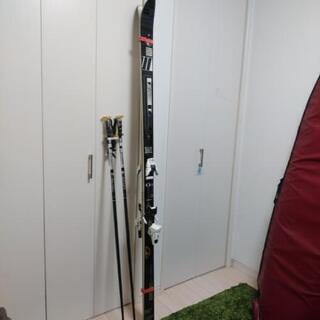 スキー板とスティック