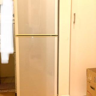 SHARP製140リットル冷蔵庫お譲りします。