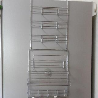 冷蔵庫脇ラック