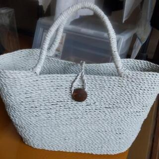未使用 大きな白いカゴバッグ