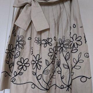 お花刺繍いりスカート💐