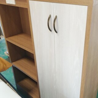書庫 棚 扉付き