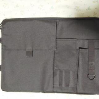バッグインバッグ A4 縦型 ブラック