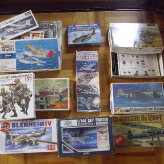 取引中 飛行機、兵隊のプラモデル