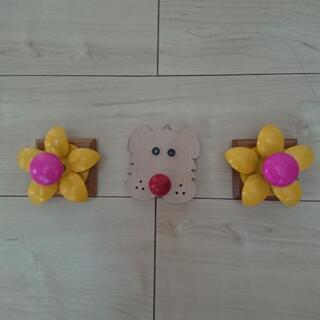 ウォールハンガーフック 犬×1個  花×2個