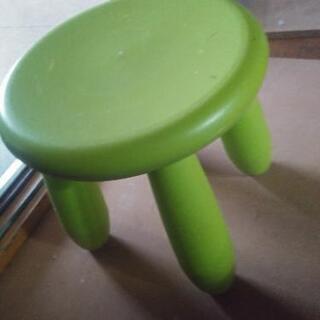 小さな椅子
