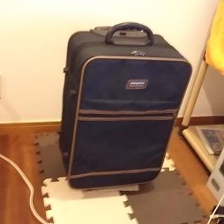 【無料タダ】スタイリッシュなスーツケース RITZ。PIPO