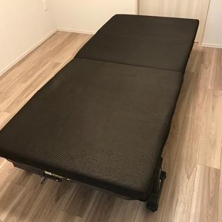 リクライニング機能付き折りたたみベッド売ります!