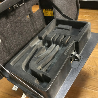 UCF10  11セルシオの工具入れ