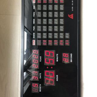 壁掛けデジタル時計