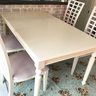 イギリス風ダイニングテーブル