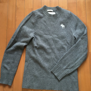 アバクロ セーター グレイ