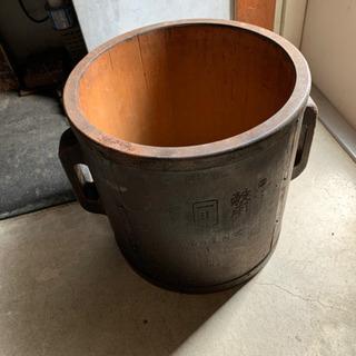 古い桶?樽?