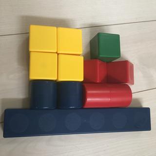 一歳からのピタゴラス 磁石でくっつくブロック✨