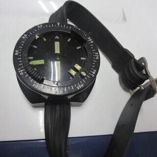 ダイバーウオッチ 方位を定める時計みたい