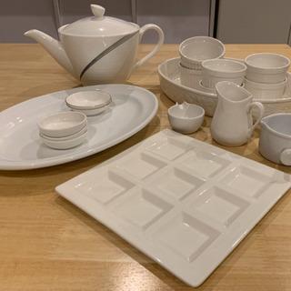 【受付終了】ホワイト大皿、ココット、スープポットなど