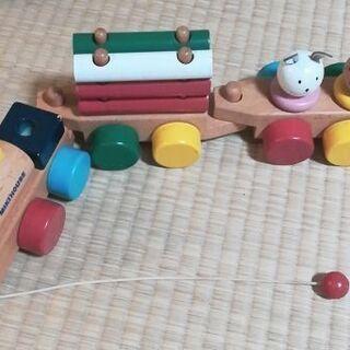 ミキハウス プルトイ 汽車