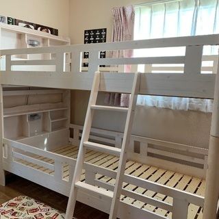 ♡カントリー調のオシャレで可愛い二段ベッド♡宮付き!照明付き!