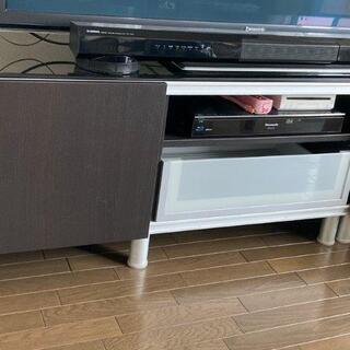IKEA テレビ台 大型テレビも載せられます!
