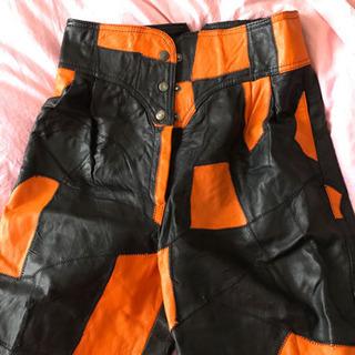 本革 オレンジ&ブラックハーフパンツ