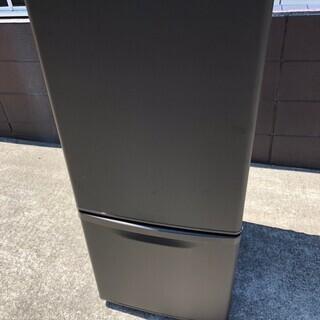 №e207 パナソニック ノンフロン冷蔵冷凍庫138ℓ 2019年製