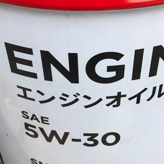 オイル交換4リットル迄は2200円工賃込み 出張作業も可能の画像