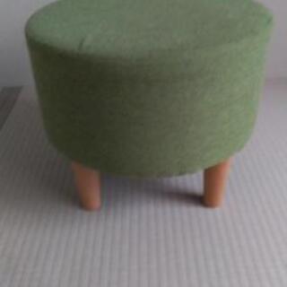 小さな椅子(スツール)