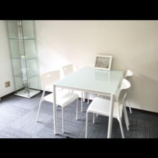 ガラステーブルと椅子2脚