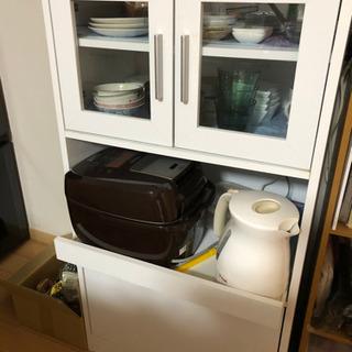 期間限定 食器棚 1000円