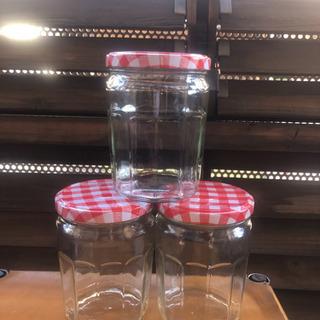 外国のジャム瓶です!三個セット100円