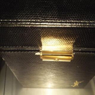 イヴ・サンローラン化粧品ボックス