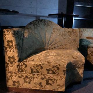 ソファー、チェア、テーブル