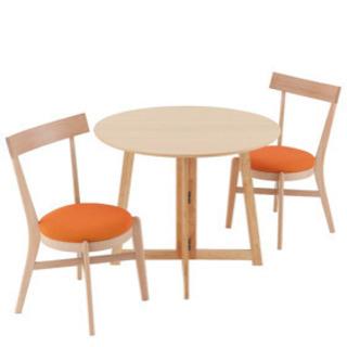 新品 テーブル&チェアのセット