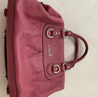 コーチ ピンクの鞄
