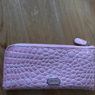 フォリフォリピンク財布