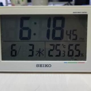 SEIKOのデジタル置時計です。