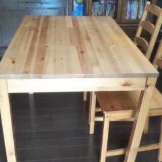 イケヤ定番のダイニングテーブルセット
