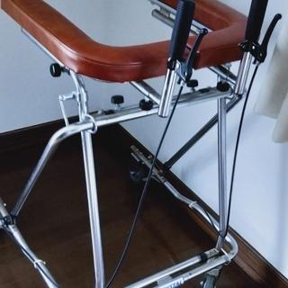 本格的 歩行器 ブレーキ付き 介護 補助 リハビリ