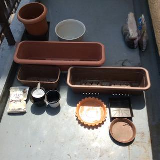ガーデニングプランターや受け皿、石灰🌿