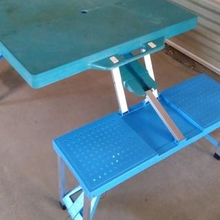 折りたたみイス付きテーブル