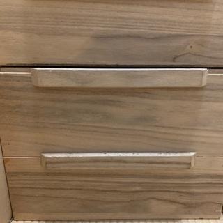 木の衣装箱