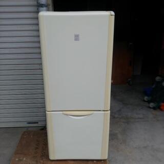 少し大きめの2ドア冷蔵庫