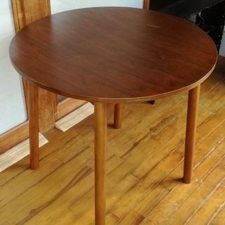 丸テーブル 直径80cm、高さ72cm